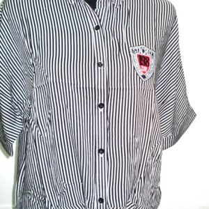 Ριγέ πουκάμισο με κόμπο μπροστά